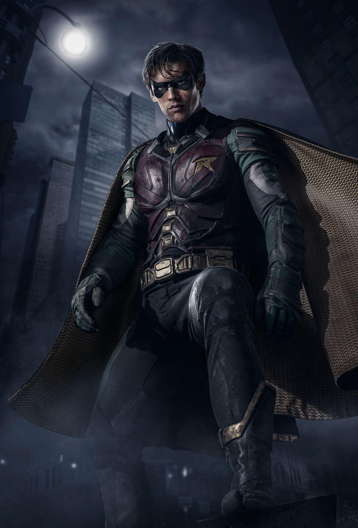 Brenton Thwaites como Robín en Titans