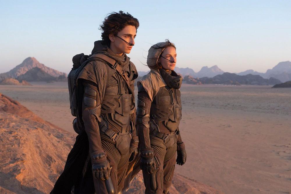 Timothée Chalamet (Paul Atreides) y Rebecca Ferguson (Lady Jessica) en Dune de Denis Villeneuve