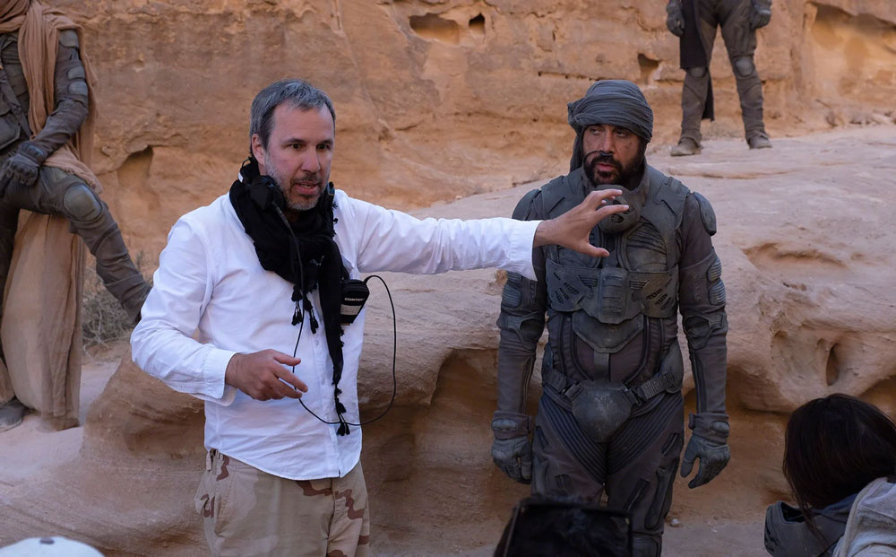 Denis Villeneuve y Javier Bardem en el set de rodaje de Dune